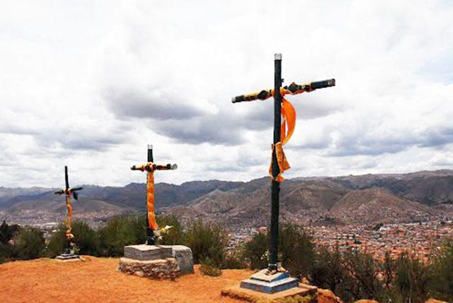 Cruces de Sacsayhuaman